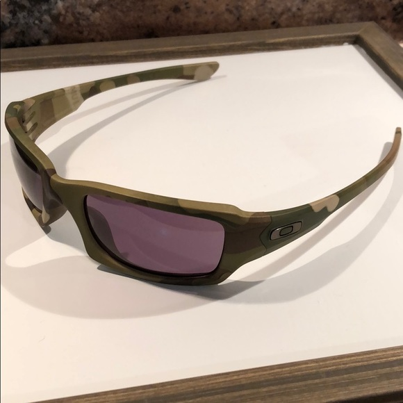 6e0983916 Oakley Five Squared Multicam Polarized Sunglasses.  M_5bfded6cc89e1d9491ce80c3